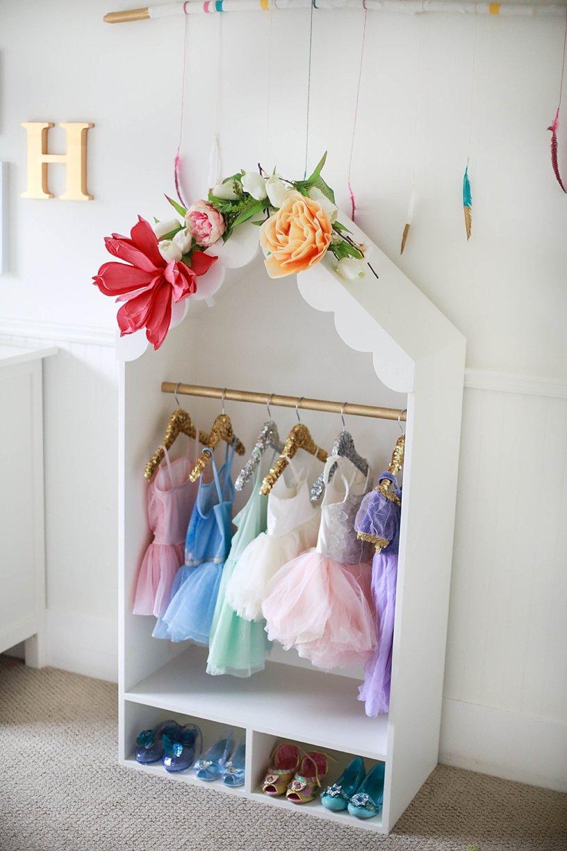 Kids Dress Up Storage: Organized Kids Dress Up